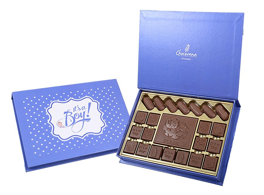 Bella Boy, 22 Pcs + 1 Bar In Customized Belgian Chocolate